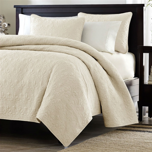 Full Queen Ivory Beige Quilted Coverlet Quilt Set With 2